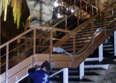 INSTALACION ILUMINACION LED EN LA ZONA PEATONAL DE L LAS CUEVAS DE NERJA